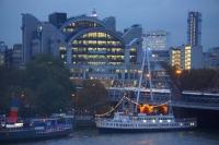 Thames_shoreline.JPG